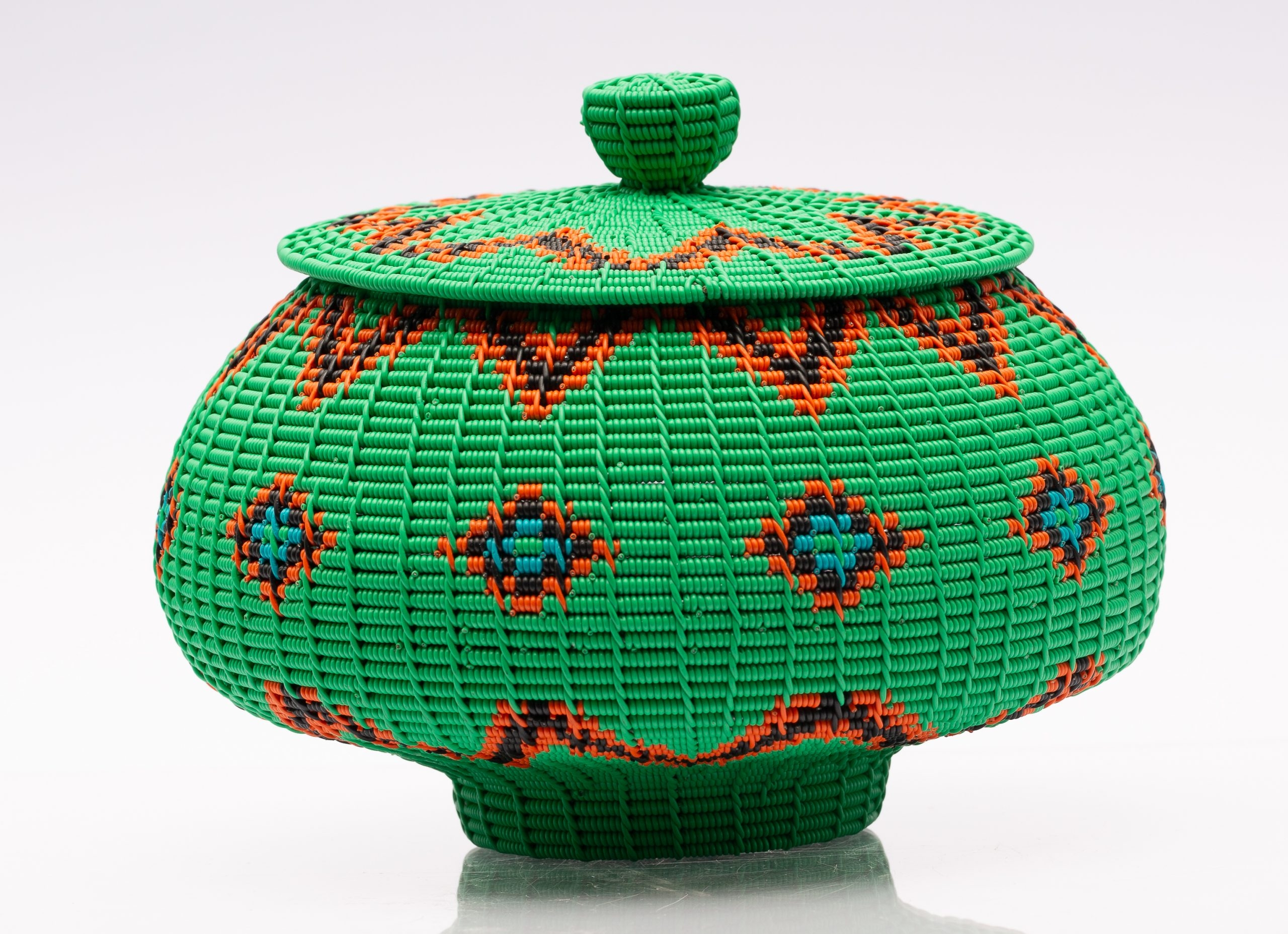 Green  Alfred Ntuli wire ukhamba