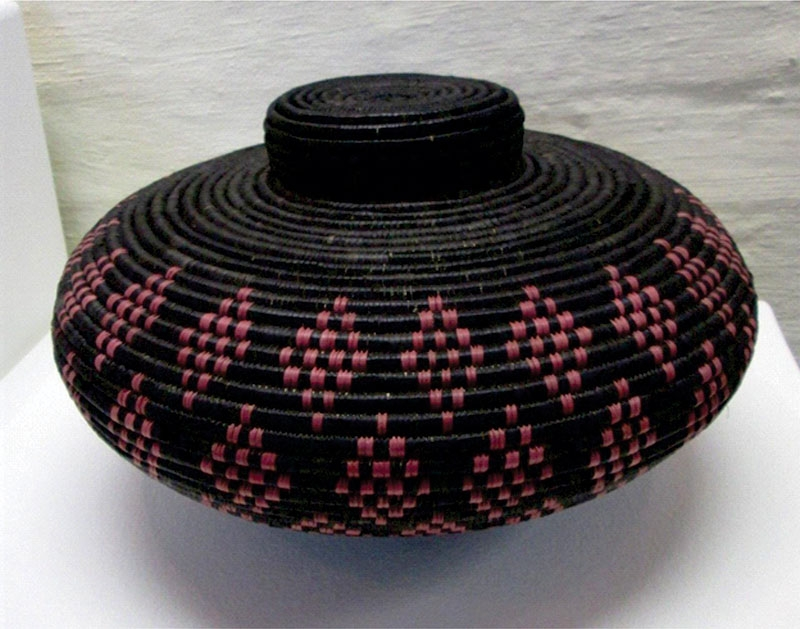 Isichumo Zulu water basket